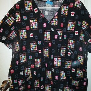 Womens scrub top. Size 2XL
